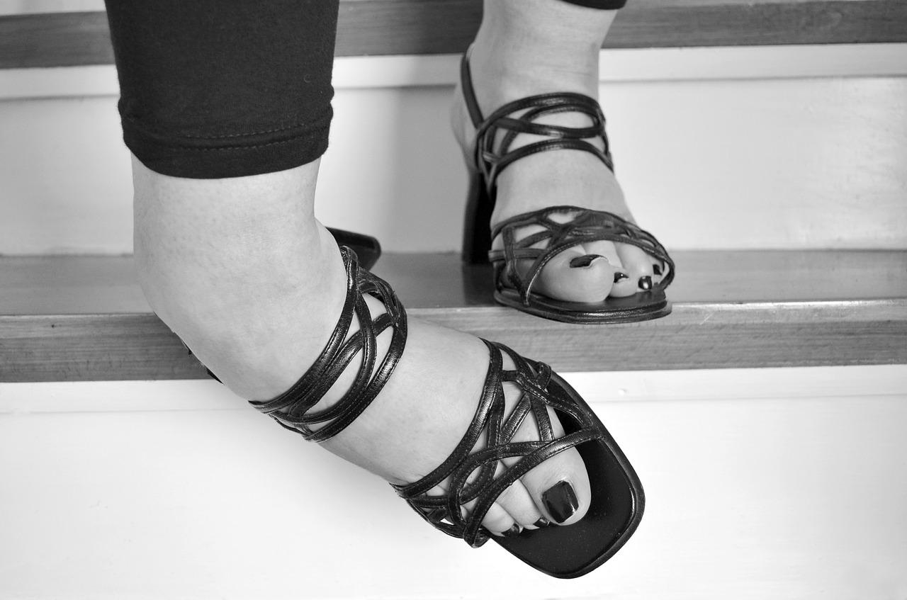 Schorzenia układu kostnego – jak walczyć z bólem? Sklep medyczny ortopedyczny – rehabilitacja kolana Kraków